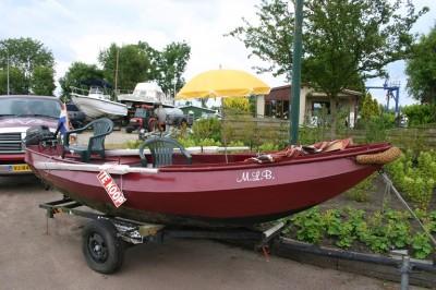 Bij ons kunt u een bootje huren in Loosdrecht